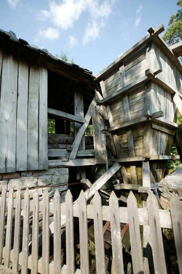 la vieille eau de moulin image libre de droits