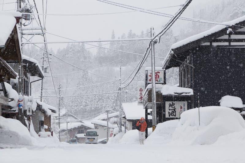 La vieille ferme dans la neige Shirakawa-vont dedans photo stock