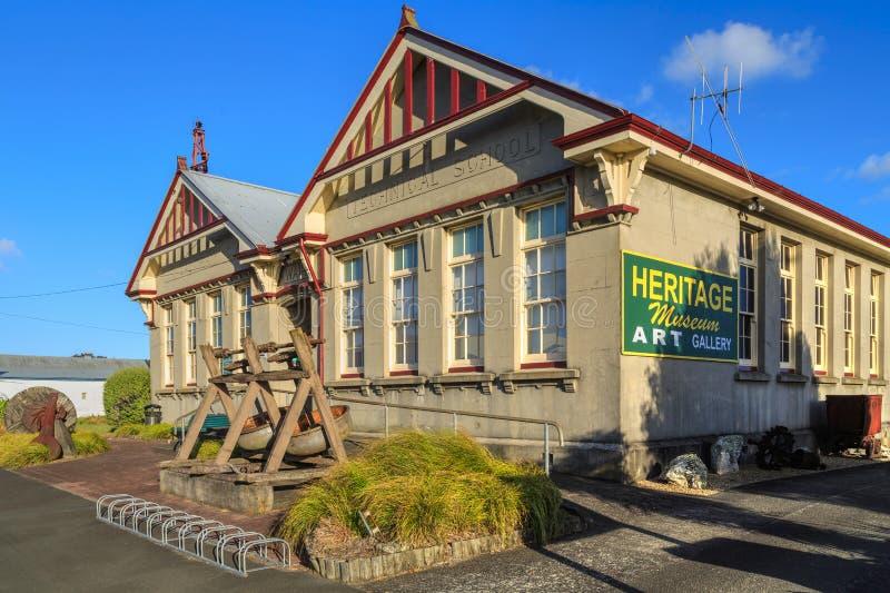 La vieille formation manuelle et l'école technique Waihi, au Nouvelle-Zélande, maintenant un musée et une galerie d'art images libres de droits