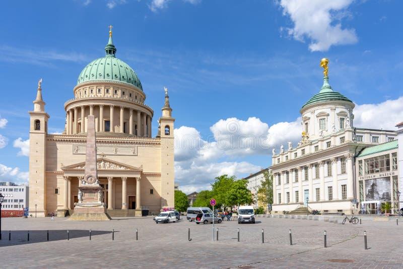 La vieille place du marché changent Markt avec l'église et hôtel de ville, Potsdam, Allemagne de Saint-Nicolas photographie stock