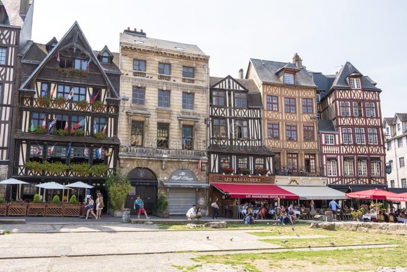 La vieille place du marché a par le passé servi d'au sol d'exécution Aujourd'hui, il est l'une des places principales de Rouen fr photo libre de droits
