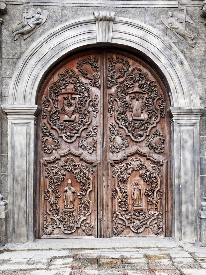 La vieille porte de San Agustin Church (Manille, Philippines) photo stock