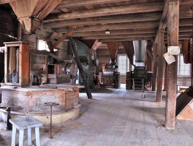 La vieille salle de moulin photo stock