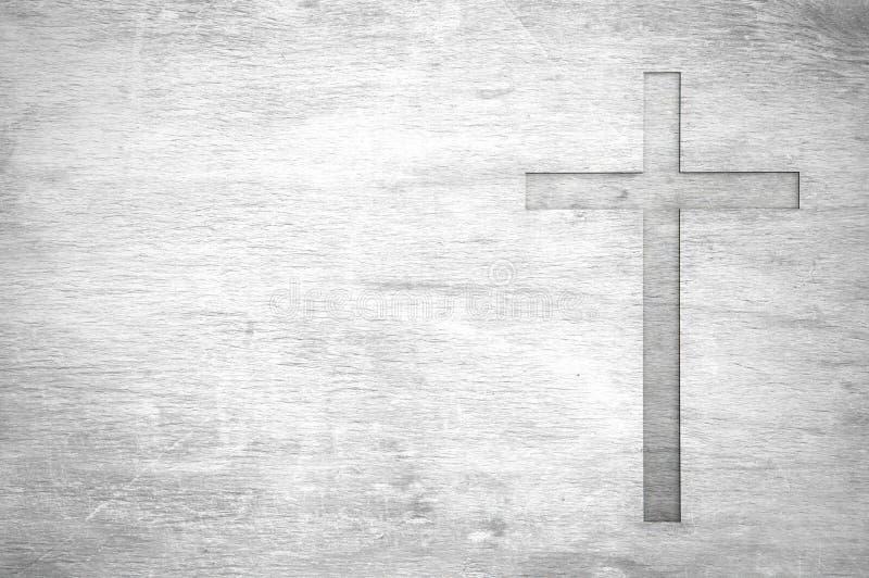 La vieja forma cristiana blanca de la cruz del símbolo de la religión como muestra de desmiente fotos de archivo