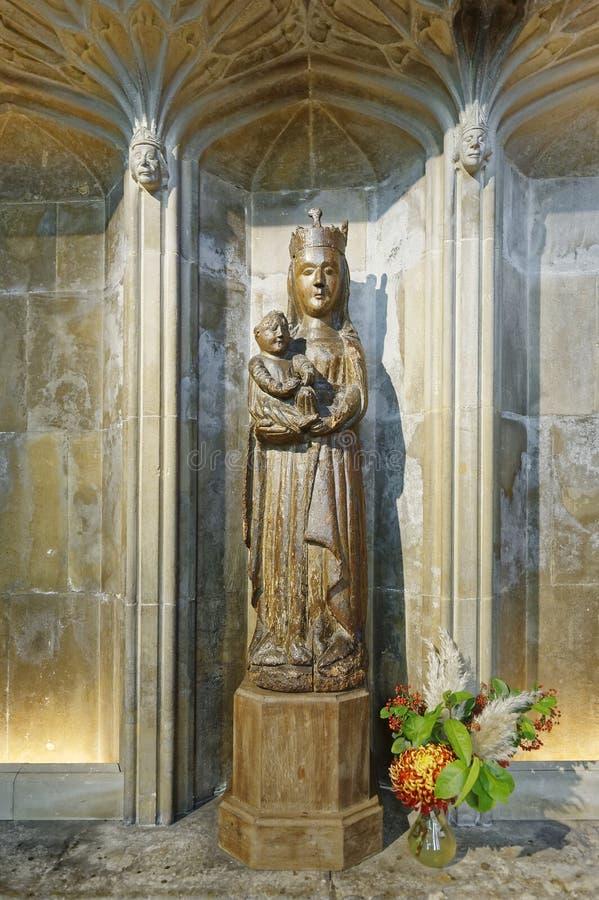 La vierge de la cathédrale de Gloucester, l'ancien intérieur et l'emplacement du film en poterie de carrière photo stock