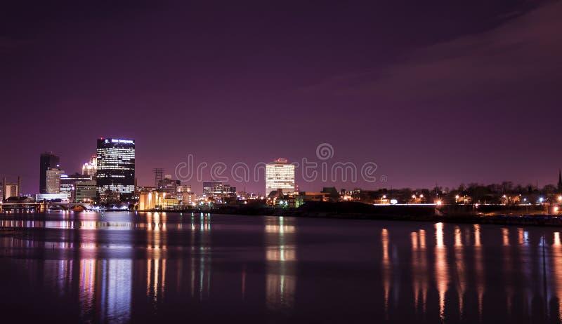 La ville allume l'horizon photographie stock