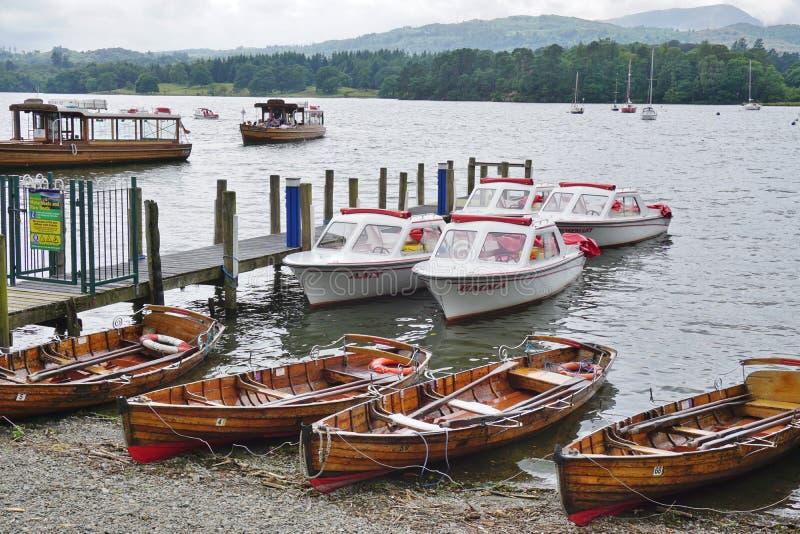 La ville d'Ambleside sur le lac Windermere images stock