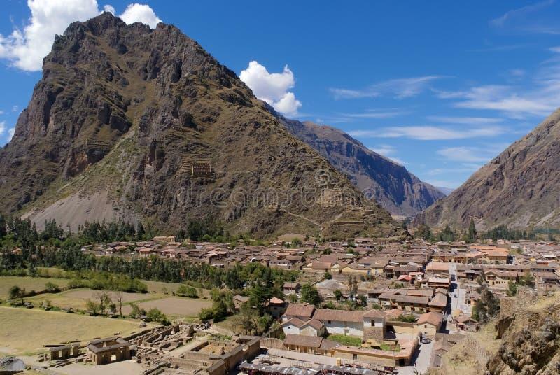 La ville d'Ollantaytambo dans la région de cuzco du Pérou photo libre de droits