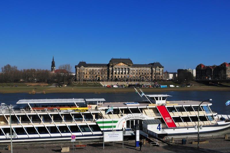 La ville de Dresde a Europe's la plus grande vapeur-bateau-flotte de rivière images libres de droits