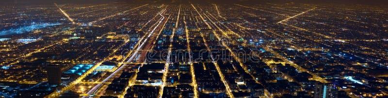 La ville de nuit allume le panorama photos stock