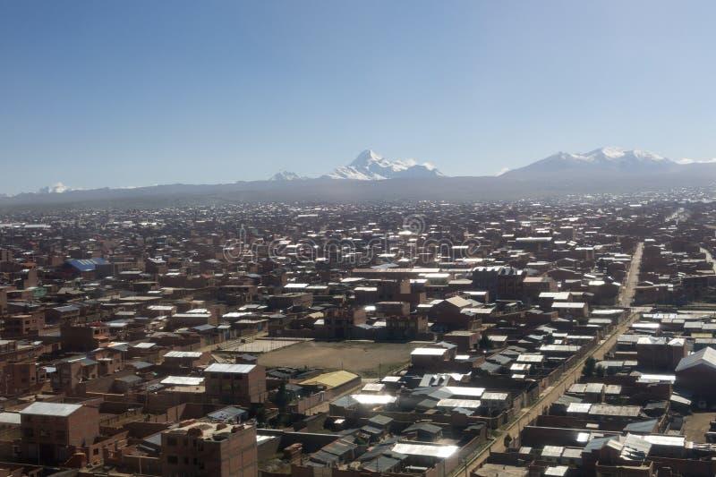 La ville de La Paz haute dans les montagnes des Andes en Bolivie images libres de droits