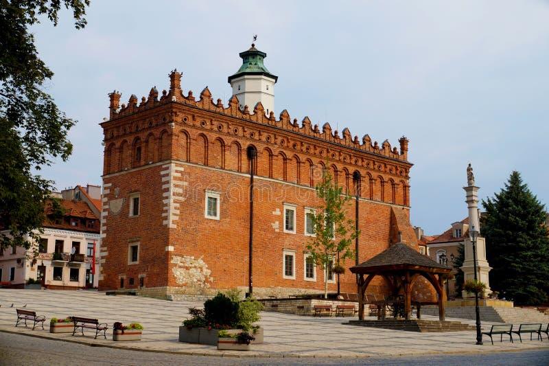 La ville de Sandomierz Hôtel de ville est l'un des points de repère du images libres de droits