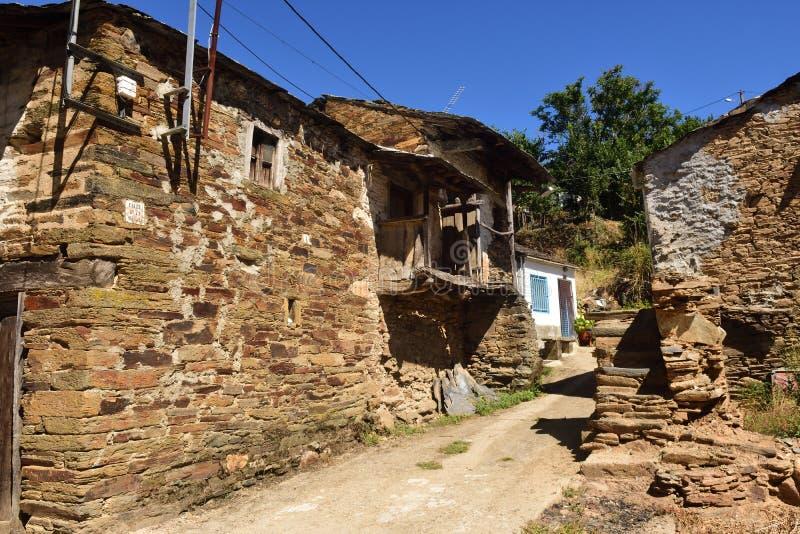 La ville frontalière de Riohonor De province de Castille, Zamora, Castil photographie stock