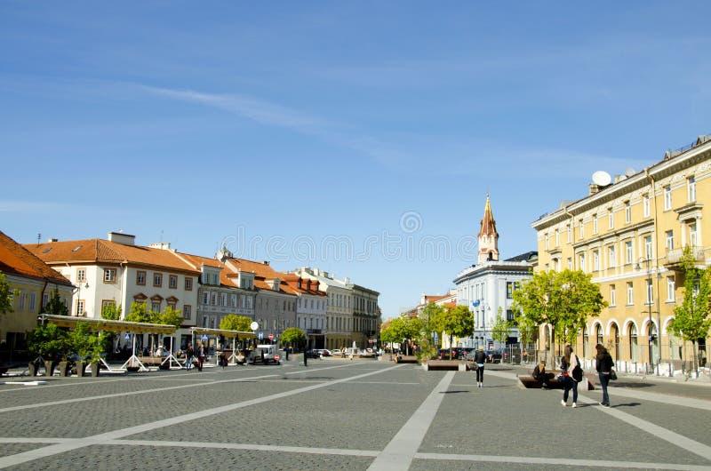 La ville Hall Square à l'extrémité de la rue de Pilies est un centre traditionnel des échanges et des événements à Vilnius photographie stock libre de droits