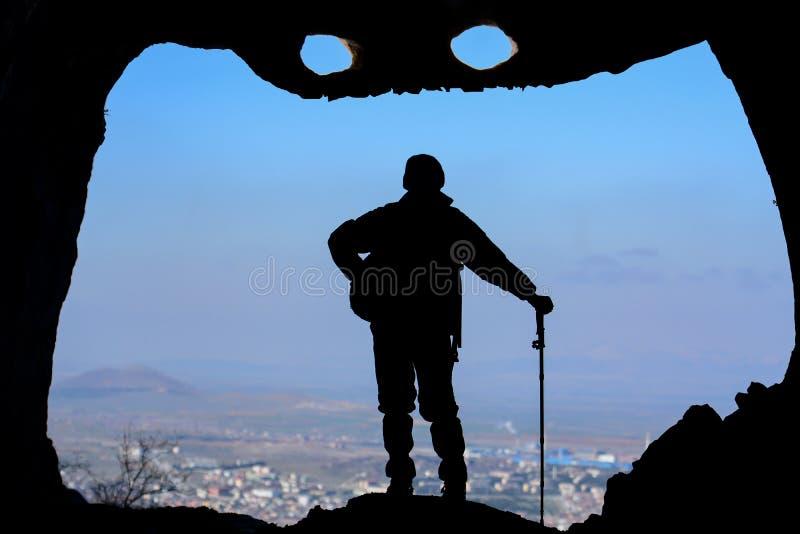 la ville intéressante de caverne observent photos libres de droits