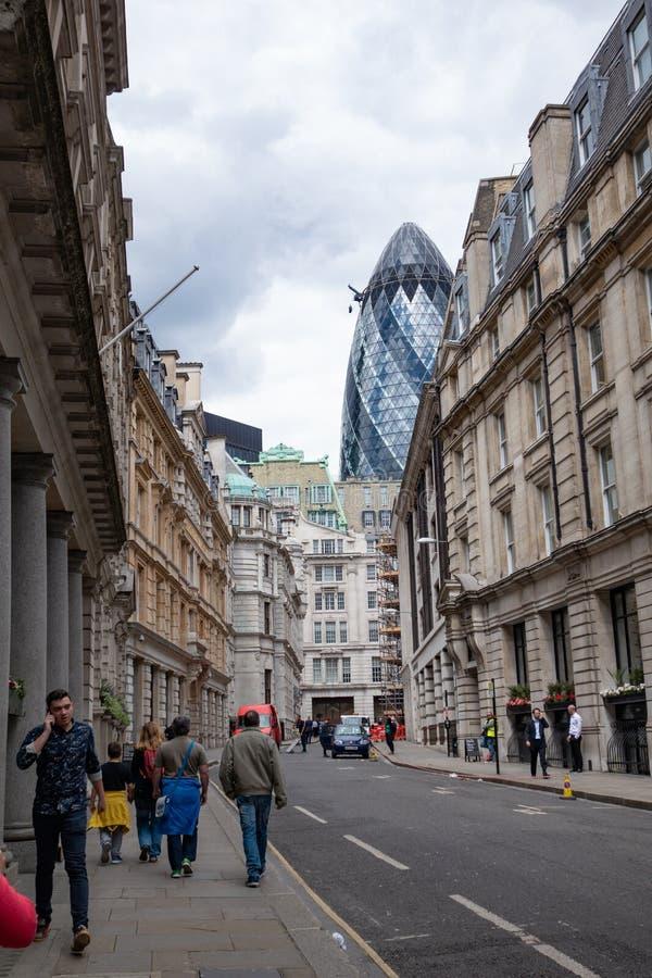 La ville, le secteur financier de Londres L'Angleterre et le Royaume-Uni Juin 2015 photographie stock libre de droits
