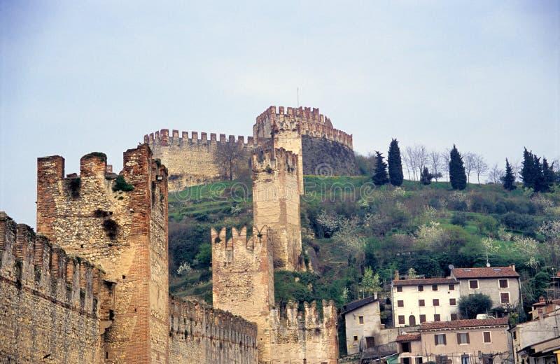 La ville murée italienne antique, Soave images stock