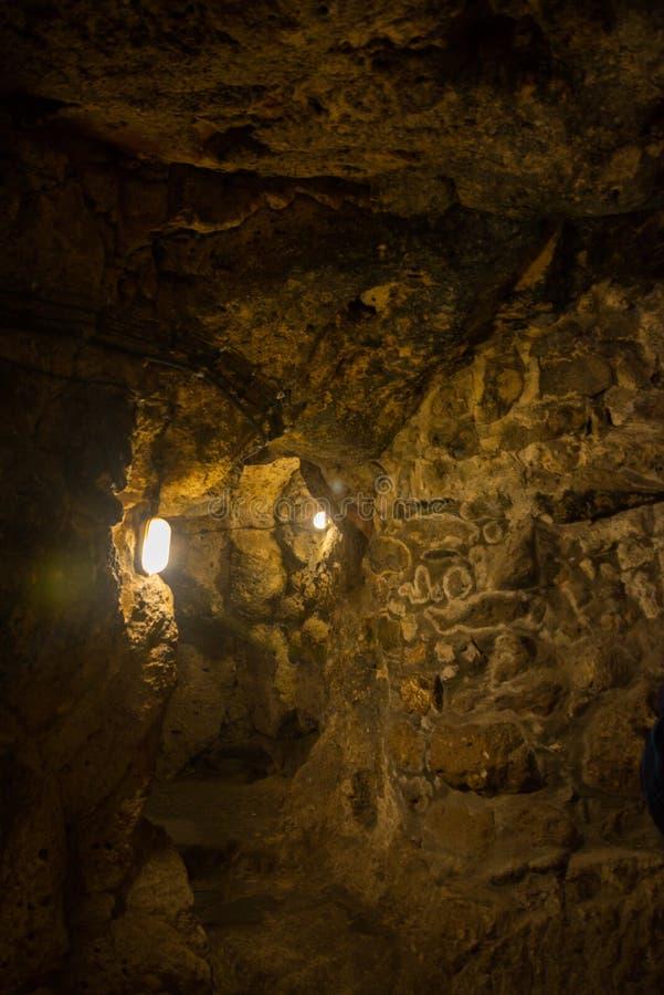 La ville souterraine de Derinkuyu est une ville à multiniveaux antique de caverne dans Cappadocia, Turquie Visite verte photo libre de droits