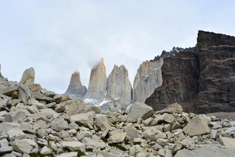 Download La Visibilité Directe Cuernos Fait Une Pointe En Parc National De Torres Del Paine, Chili Image stock - Image du montagne, torres: 87701507