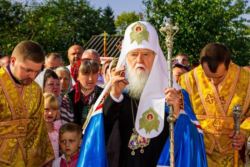 La visita del patriarca della chiesa ortodossa ucraina Kiev fotografia stock