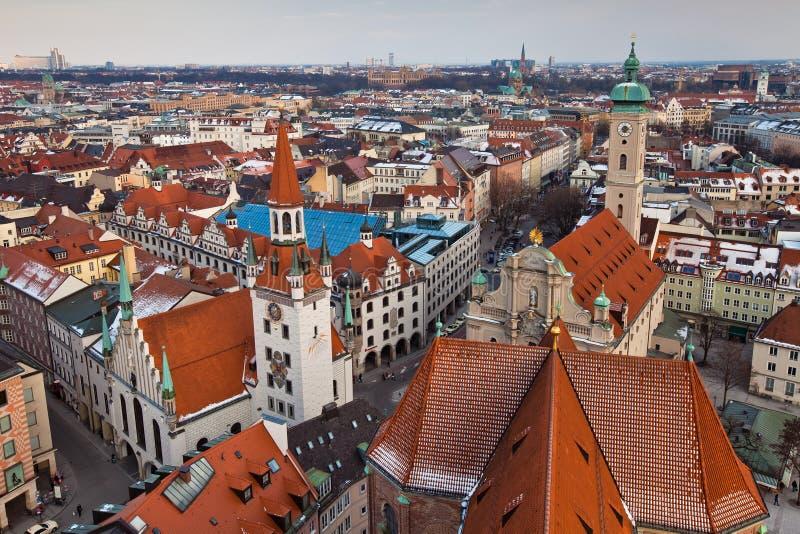 La vista aérea del centro de ciudad de Munich fotos de archivo