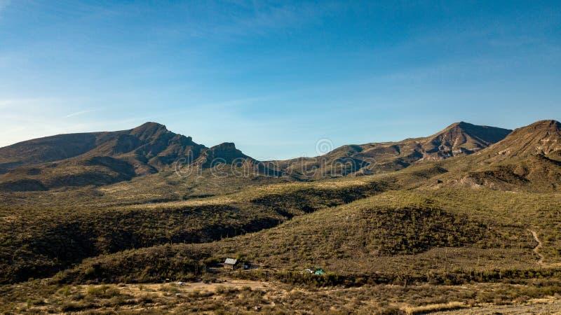 La vista aerea del parco regionale del ranch dell'incrocio del dente cilindrico vicino scava l'insenatura, Arizona immagini stock libere da diritti