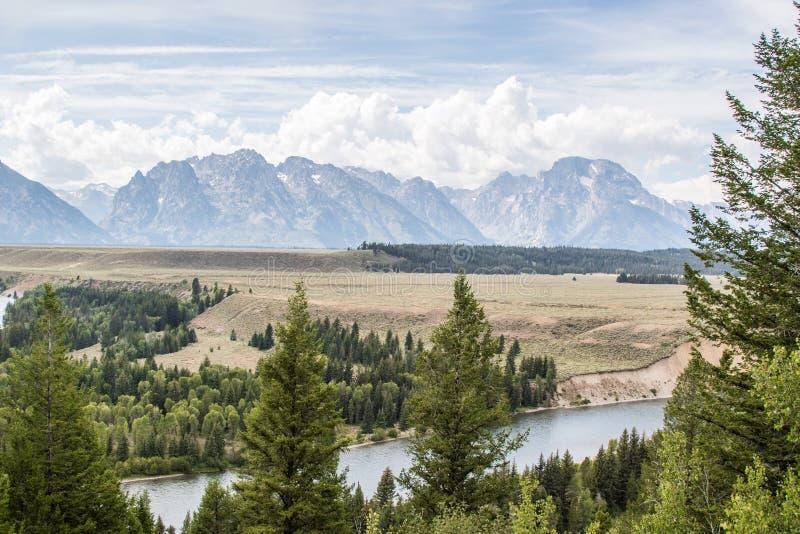 La vista dal fiume Snake trascura in grande Teton fotografie stock