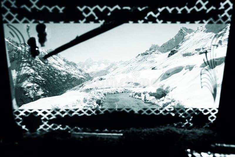 La vista dalla finestra del passeggero immagini stock