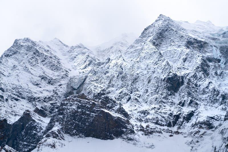 La vista dalla strada della strada principale nel Jammu e Kashmir fotografie stock