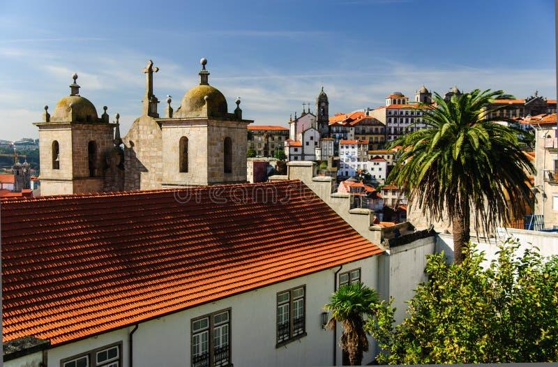 La vista de la ciudad vieja de Oporto, Portugal foto de archivo libre de regalías