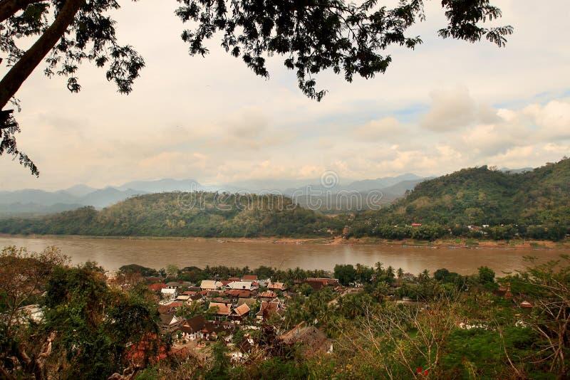 La vista de Luang Prabang (Laos) fotos de archivo