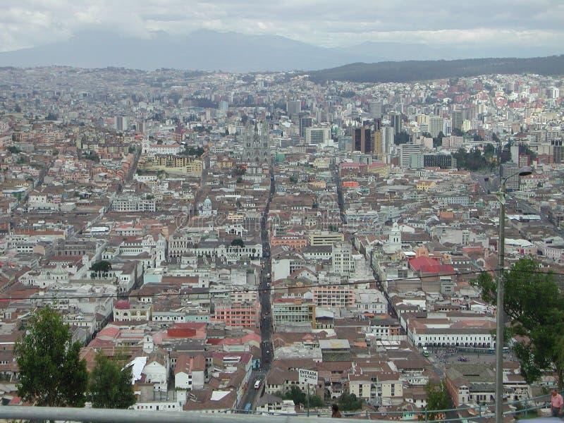 La vista de Quito foto de archivo