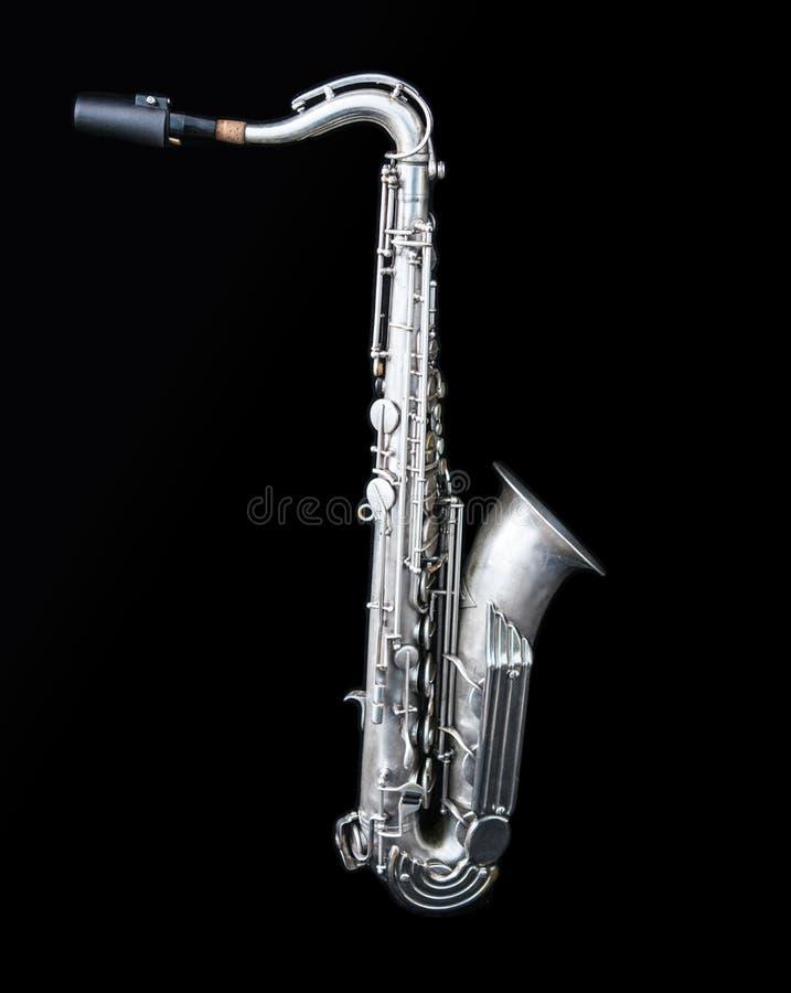 A la vista de una situación de plata del saxofón imagenes de archivo