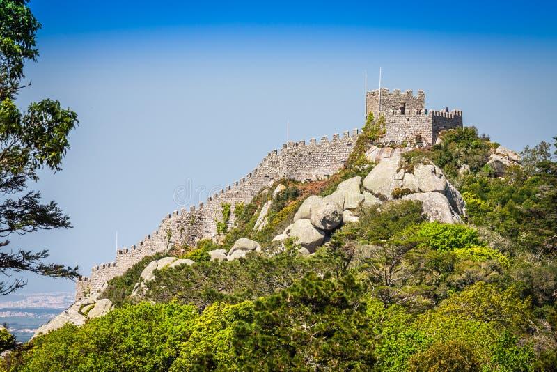 La vista del attracca il castello in Sintra, Portogallo immagine stock