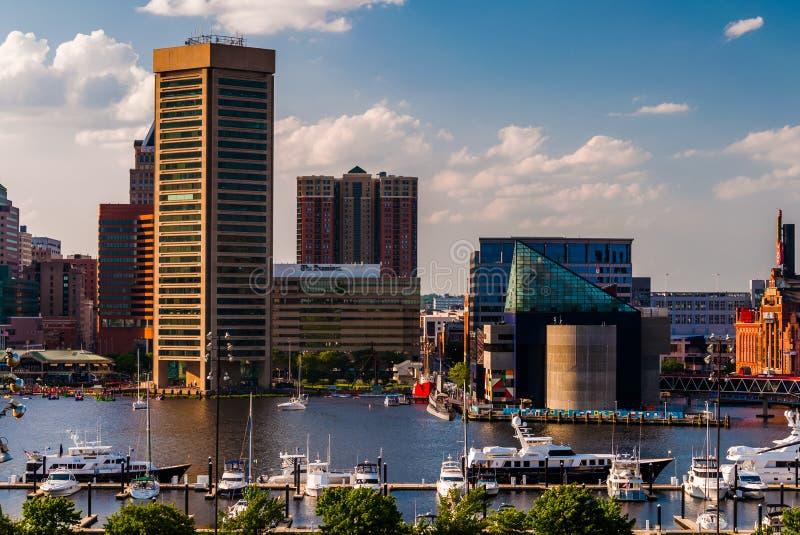 La vista del porto interno e l'orizzonte dalla collina federale parcheggiano, Bal immagine stock