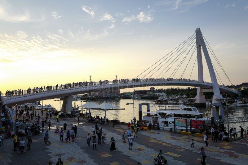 La vista del puente del amante de Tamsui en el muelle del pescador de Tamsui Es un punto escénico en la extremidad occidental del foto de archivo