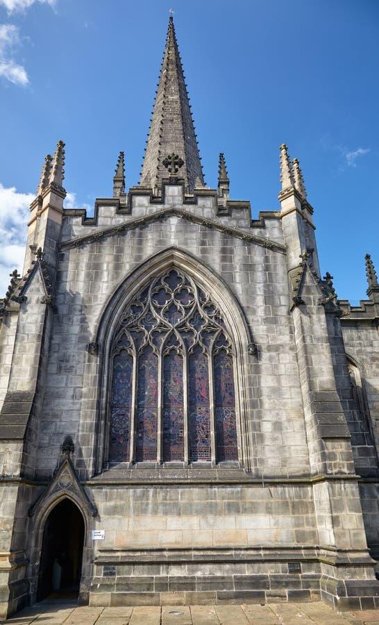 La vista del transetto del nord della chiesa della cattedrale di St Peter e di St Paul sheffield l'inghilterra fotografia stock