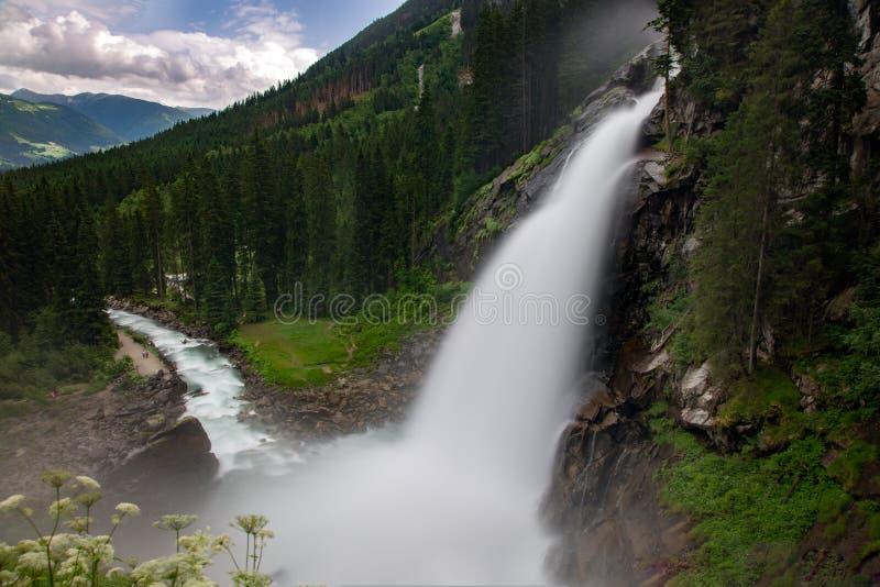 La vista della cascata di Krimml immagine stock