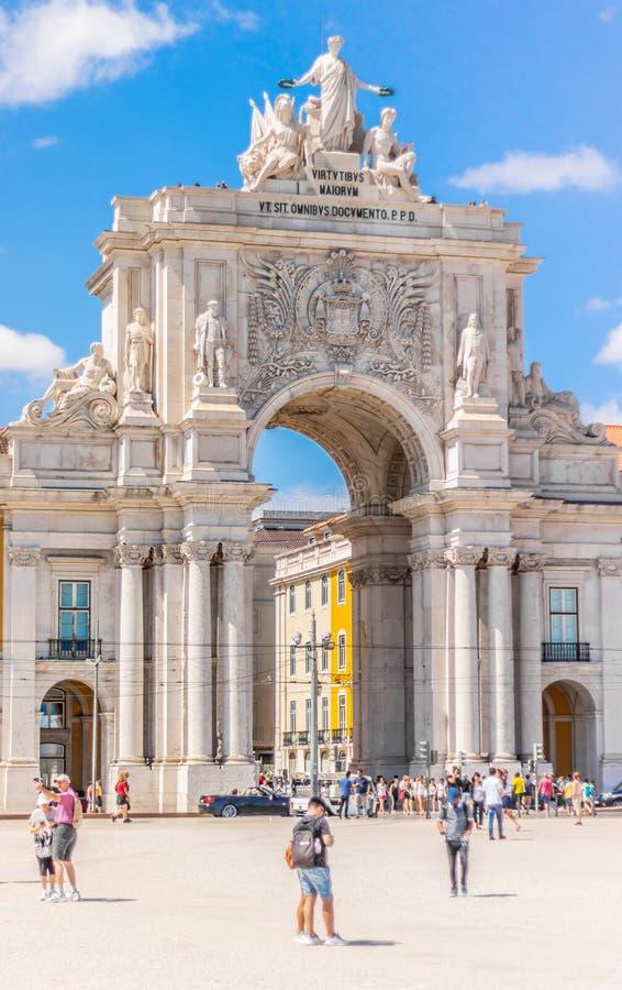 La vista di Arco da Rua Augusta da Praça fa Comércio, Lisbona Portogallo data 16 luglio 2019 fotografia stock libera da diritti