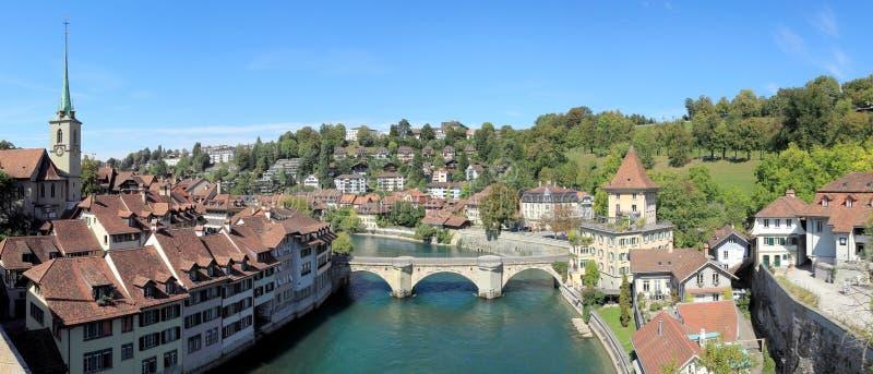 La vista di panorama della città del tesoro del mondo, Bern Switzerland fotografia stock libera da diritti