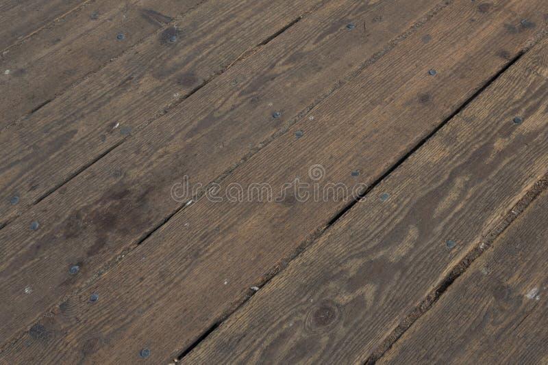 La vista diagonal del decking de madera sube en Santa Monica Pier imagen de archivo