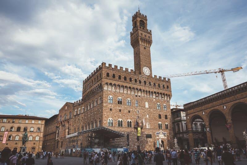 La vista panorámica de Palazzo Vecchio (palacio viejo) es el ayuntamiento de Florencia imagen de archivo libre de regalías