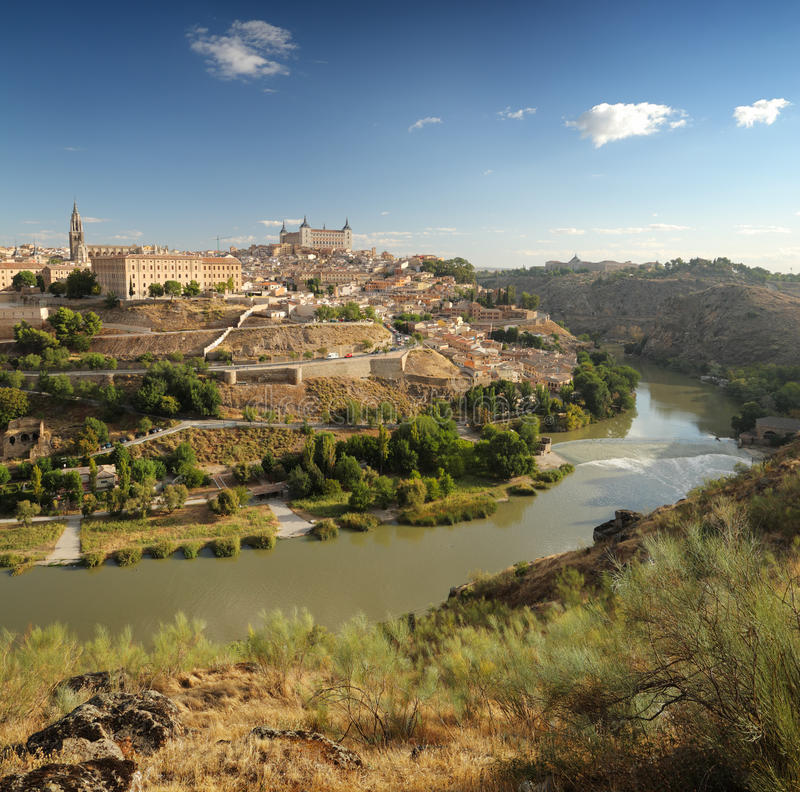 La vista panorámica de Toledo en España imagenes de archivo