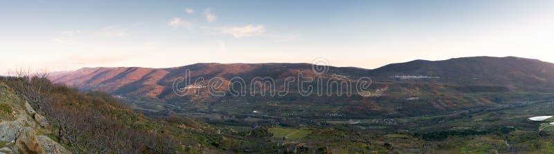 La vista panorámica del valle famoso de Jerte, ¡de CÃ ceres, Spai imagen de archivo libre de regalías