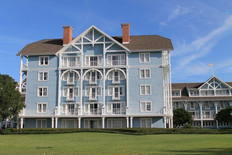 La vista scenica Disney tira la costruzione in secco dell'hotel del club immagine stock libera da diritti