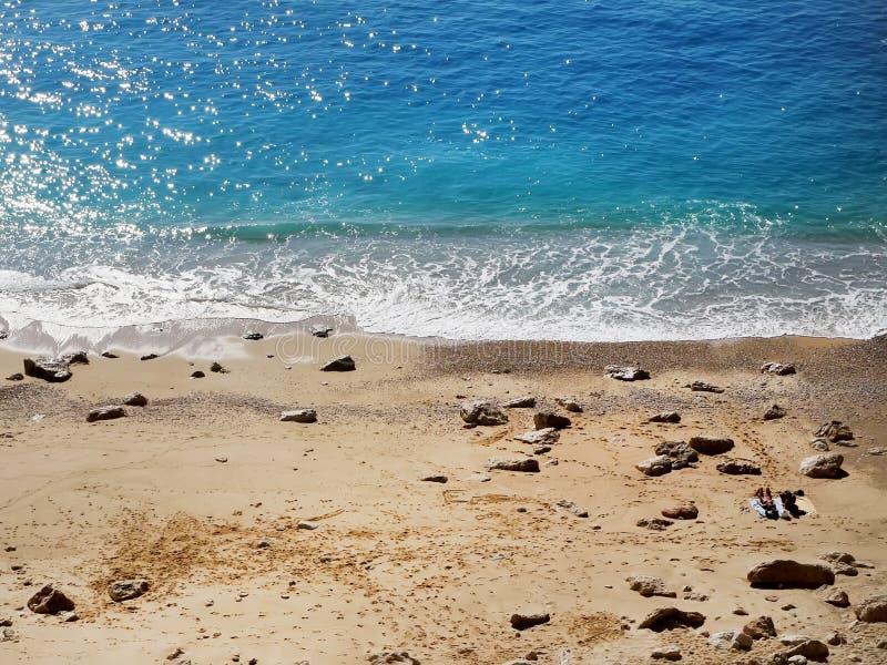 La vista sopra la spiaggia di Kaputas in Turchia, regione Mediterranea fotografia stock libera da diritti