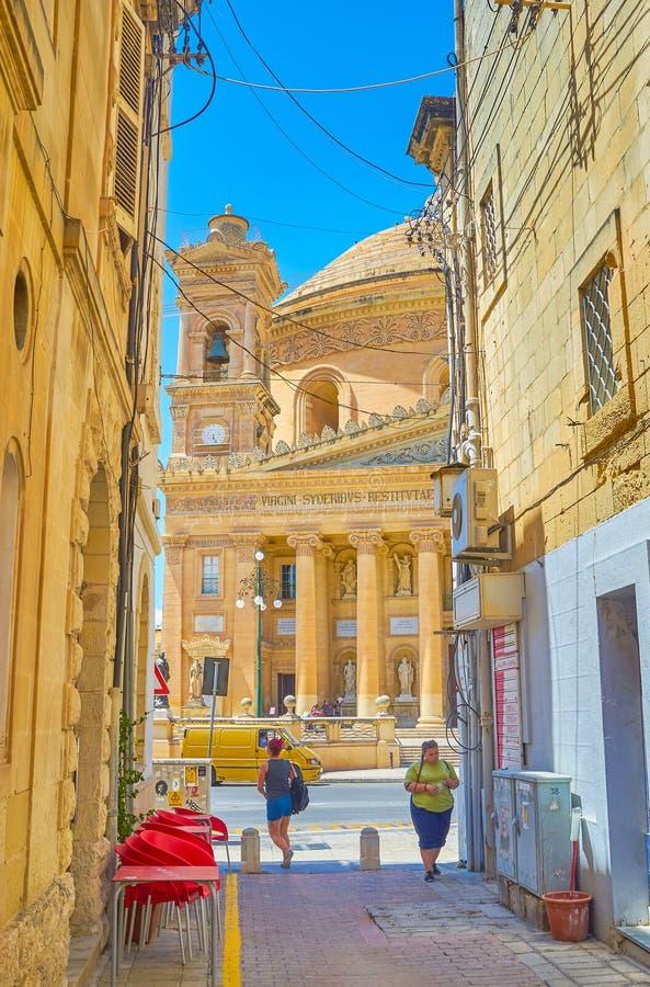 La vista sulla basilica enorme rotunda in Mosta, Malta fotografia stock