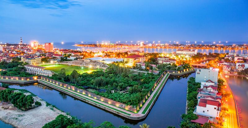 La vista superiore del muro di cinta antico ha chiamato loro il ` Luy ` in Quang Binh, centrale del Vietnam immagini stock