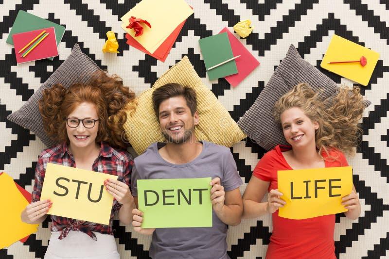 La vita dello studente è una vita felice fotografia stock