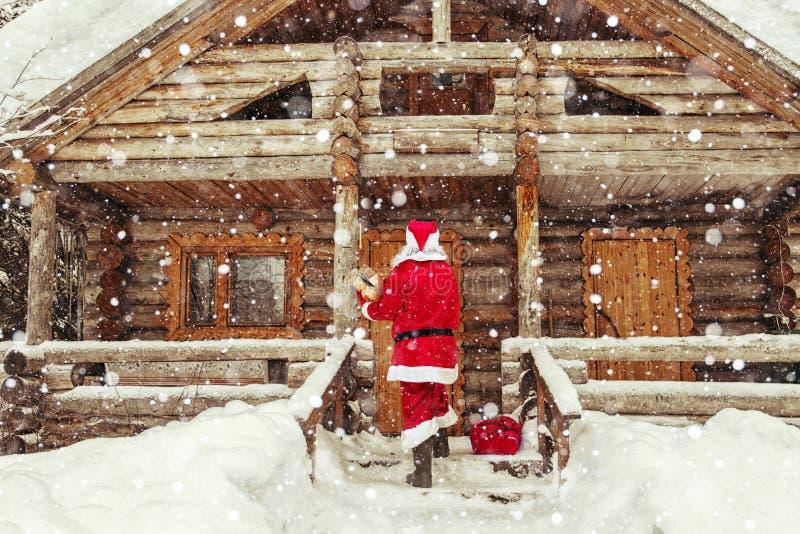 La vita quotidiana di Santa Claus immagini stock libere da diritti